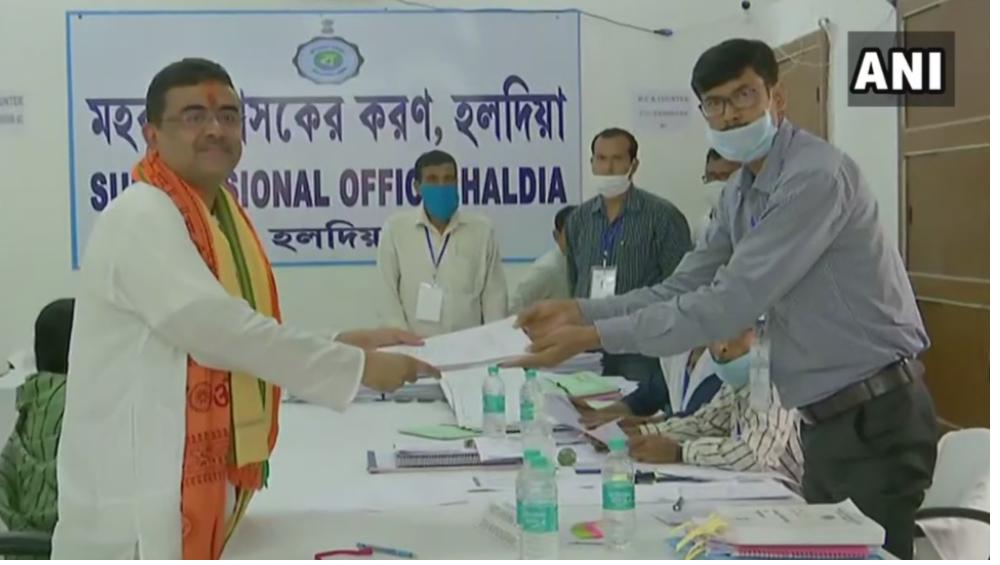 WB Assembly Elections 2021: মনোনয়ন পেশ করলেন নন্দীগ্রামের বিজেপি প্রার্থী শুভেন্দু অধিকারী, দেখুন ছবি