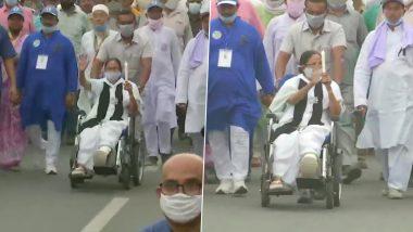 Mamata Banerjee at Bardhaman: বর্ধমানে কালো ব্যাজ পরে হুইলচেয়ারে মোমবাতি মিছিল মমতা বন্দোপাধ্যায়ের