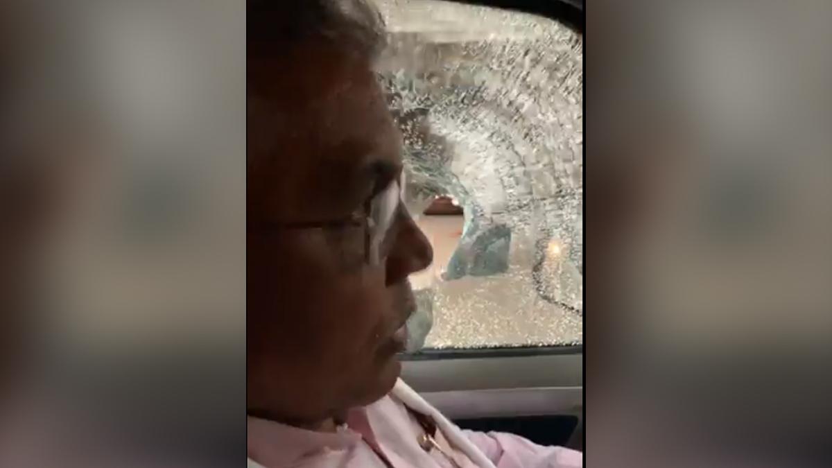 Dilip Ghosh's Convoy Attacked: শীতলকুচিতে বিজেপি রাজ্য সভাপতি দিলীপ ঘোষের গাড়িতে হামলা