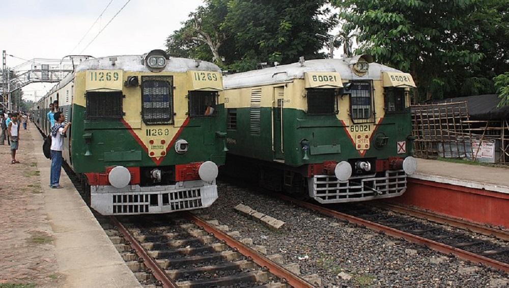 Indian Railways : মাস্ক না পরে ট্রেনে উঠলে গুনতে হবে মোটা জরিমানা, বড় ঘোষণা রেলের
