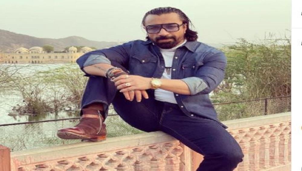 अजाज़ खान: ड्रग के मामले में गिरफ्तारी के कुछ समय बाद ही अजाज़ खान पर कोरोना ने हमला किया था