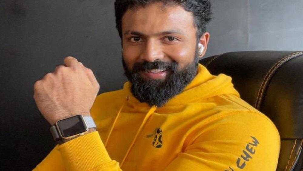 Arjun Gowda: অভিনয় ছেড়ে অ্যাম্বুলেন্স চালাচ্ছেন, করোনা রোগীদের পাশে অভিনেতা