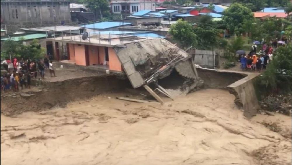 Floods, landslides in Indonesia : ইন্দোনেশিয়ায় ভয়াবহ বিপর্যয়, মৃত ৭০, নিখোঁজ বহু