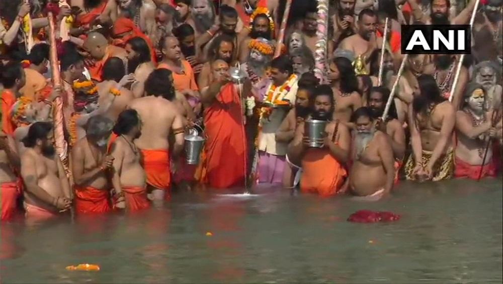 Kumbh Mela 2021 : কোভিড বিধি শিকেয়, কুম্ভে রাশ টানতে নারাজ উত্তরাখণ্ডের মুখ্যমন্ত্রী