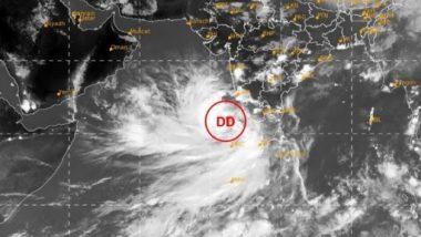 Cyclone Tauktae Impact: কেরলে প্রবল বৃষ্টির ফলে দেখুন কীভাবে নদীতে ভেঙে পড়ল বাড়ি (ভিডিও)