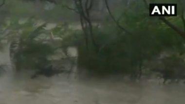 Cyclone Yaas: য়াসের গর্জন, প্রবল ঝড়ে জলমগ্ন সমুদ্র লাগোয়া ধামড়া (দেখুন ভিডিও)