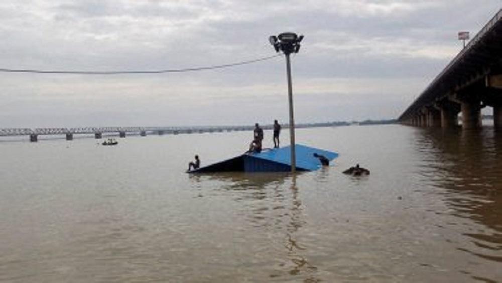 Dead Bodies In Ganga: গঙ্গায় ভাসছে লাশ, পচন ধরা ৫২টি মৃতদেহ দেখে আতঙ্ক উত্তরপ্রদেশে