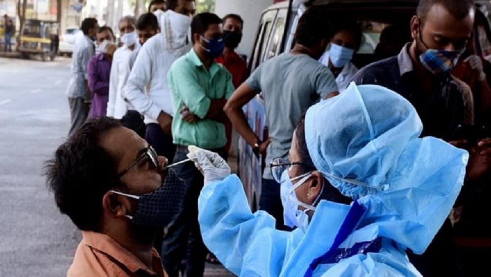Covid-19 Cases In India: ২৪ ঘণ্টায় দেশে করোনা আক্রান্ত হলেন ৪২,৭৬৬ জন, মৃত্যু ৩০৮ জনের