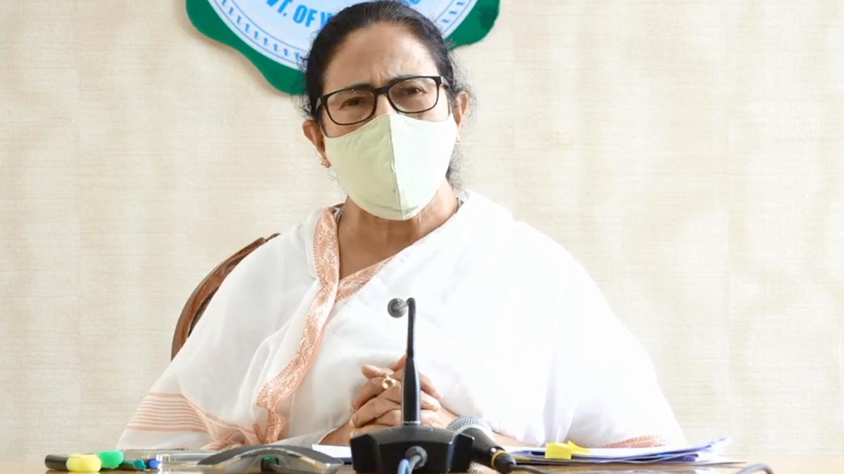 CM Mamata Banerjee: 'আমরা পুতুলের মতো বসেছিলাম', কোভিড বৈঠক শেষে প্রধানমন্ত্রীকে তুলোধনা মমতা বন্দোপাধ্যায়ের