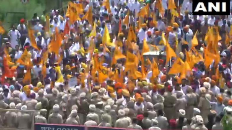 Punjab: অমরিন্দর সিংয়ের বাসভবনকে ঘিরে সরকার বিরোধী বিক্ষোভ, রণক্ষেত্র পাঞ্জাব
