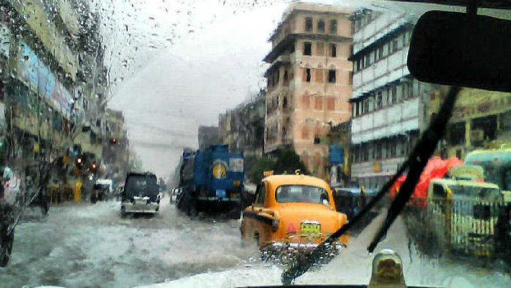West Bengal: বৃষ্টি আরও ২ দিন, বাড়ছে নদীর জলস্তর, ভারী থেকে অতিভারী বৃষ্টির সতর্কতা