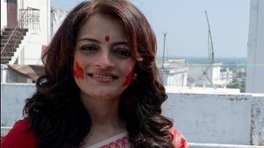 Ushasie Chakraborty: করোনা ভ্যাকসিন নিয়ে বিছানা ছেড়ে উঠতেই পারছেন না 'জুন আন্টি'
