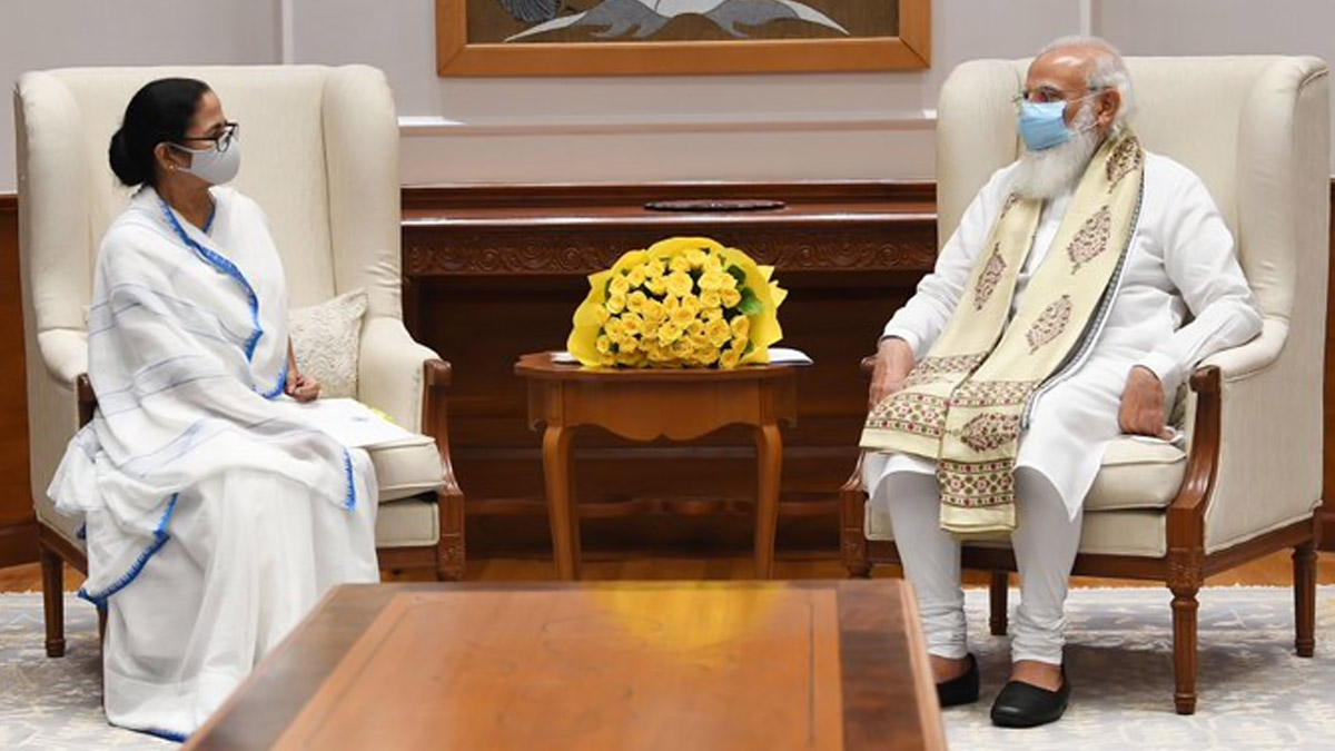 Mamata Banerjee Meets PM Modi: 'জনসংখ্যার তুলনায় বাংলায় কম ভ্যাকসিন দেওয়া হয়েছে', মোদীকে জানালেন মমতা