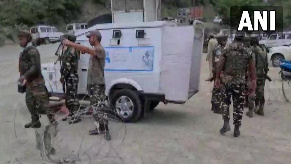 Jammu & Kashmir: ড্রোনের পর বারামুলায় গ্রেনেড হামলা, বড় নাশকতার আশঙ্কায় নজরদারি জম্মু কাশ্মীরে