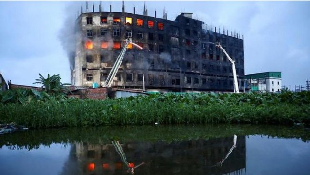Bangladesh Factory Fire: বাংলাদেশের কারখানায় ভয়াবহ আগুন, অগ্নিদগ্ধ হয়ে মৃত্যু কমপক্ষে ৫২ জনের