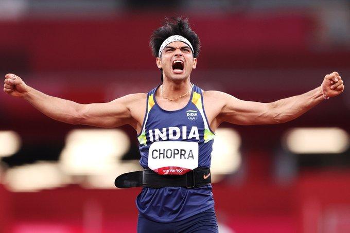 Neeraj Chopra: কোটি টাকা, গাড়ি, বিনামূল্যে বিমানে ভ্রমণ, সোনার ছেলে নীরজ চোপড়ার উপহারের ঝুলিতে আর কী কী
