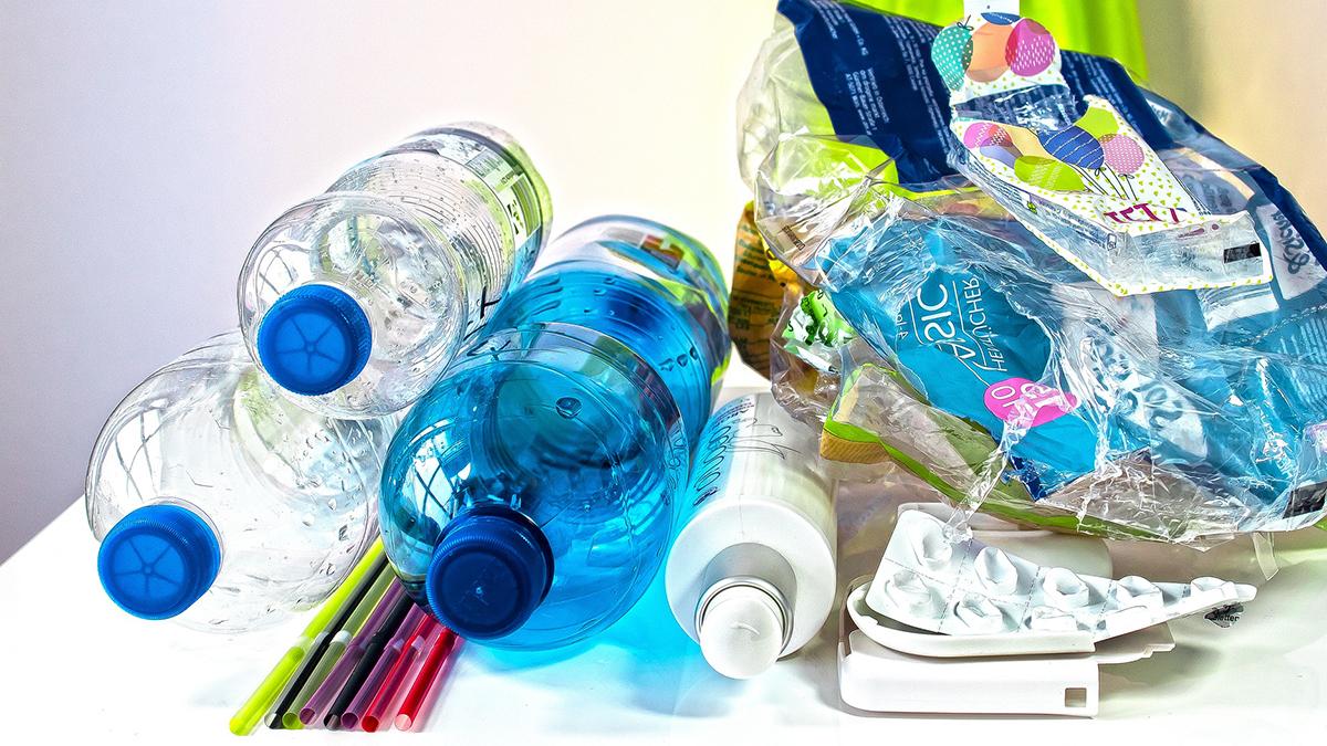 Govt Bans Single-Use Plastic: আগামী বছরের জুলাই থেকে একক ব্যবহারযোগ্য প্লাস্টিক নিষিদ্ধ করল সরকার