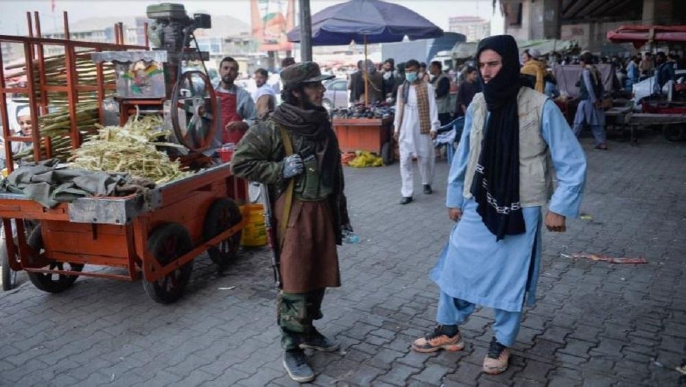 Taliban: তালিবানরাজ, দুবেলার খাবার জোগাড়ে কাবুলের রাস্তায় টিভি, ফ্রিজ বিক্রি অসহায় আফগানদের
