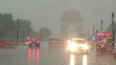 Delhi Rains: রেকর্ড বৃষ্টিতে দিল্লির রাজপথ যেন নদী, বিমানবন্দরের রানওয়েতে জমে জল!