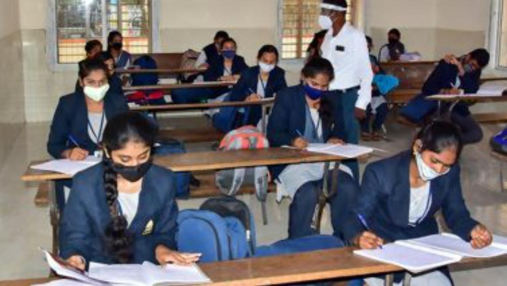 Karnataka: করোনার গ্রাসে বেঙ্গালুরুর আবাসিক স্কুলের ৬০ ছাত্রী, চিন্তায় প্রশাসন