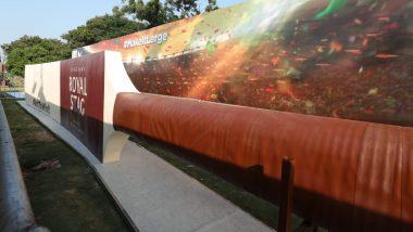 World's Largest Cricket Bat: লম্বায় ৫৬.১ ফুট, বিশ্বের বৃহত্তম ক্রিকেট ব্যাটের উন্মোচন হল হায়দরাবাদে