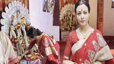 Durga Puja 2021: লাল শাড়িতে সেজে দুর্গা বরণ কোয়েল মল্লিকের, দেখুন ভিডিয়ো